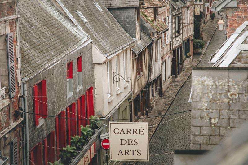 Rue de Honfleur, le carré des arts