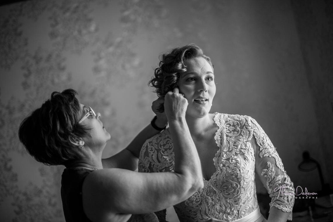 Reportage Mariage à l'abbaye Trois Fontaine - Préparatifs de la mariée