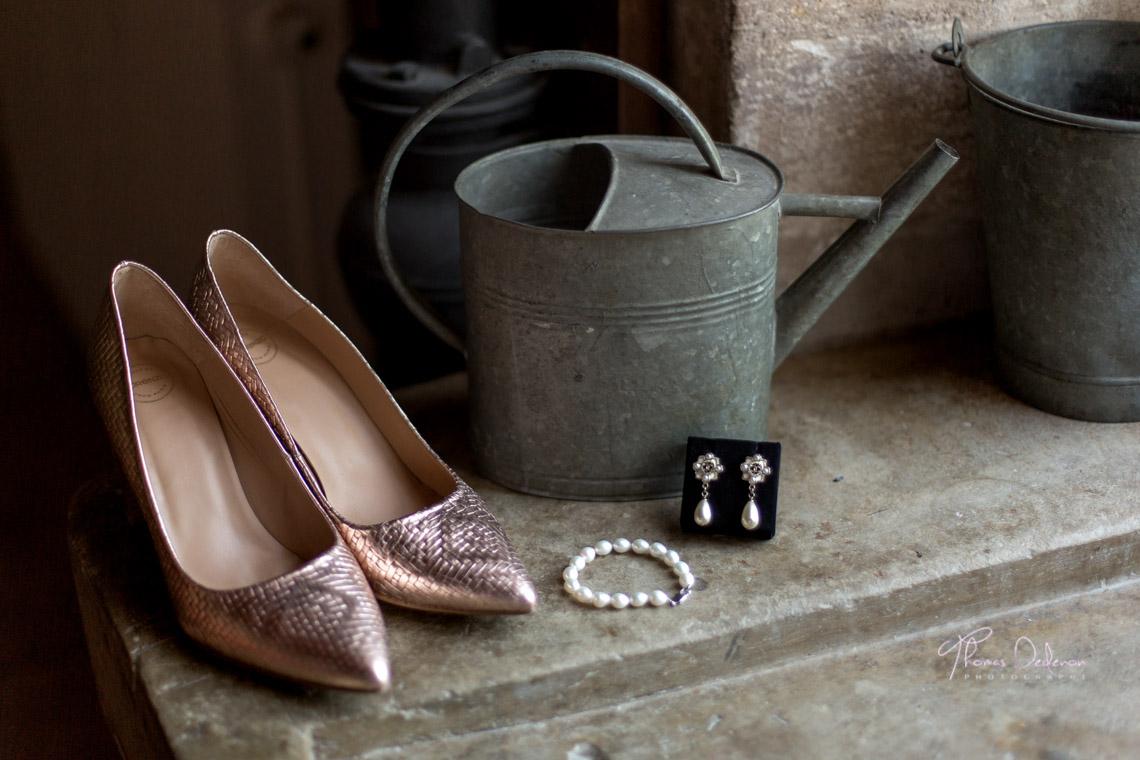 les chaussures et accessoires de la mariée