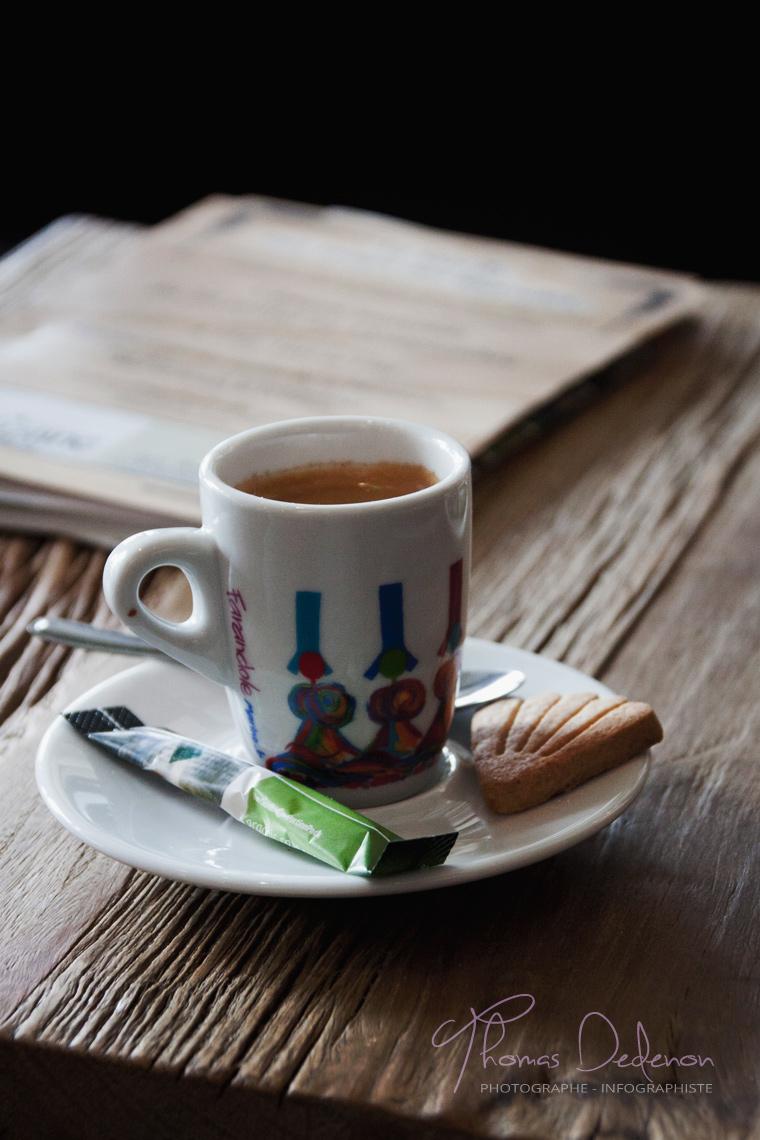 Visuel publicitaire pour un café