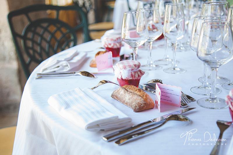 Décoration table rose pastel