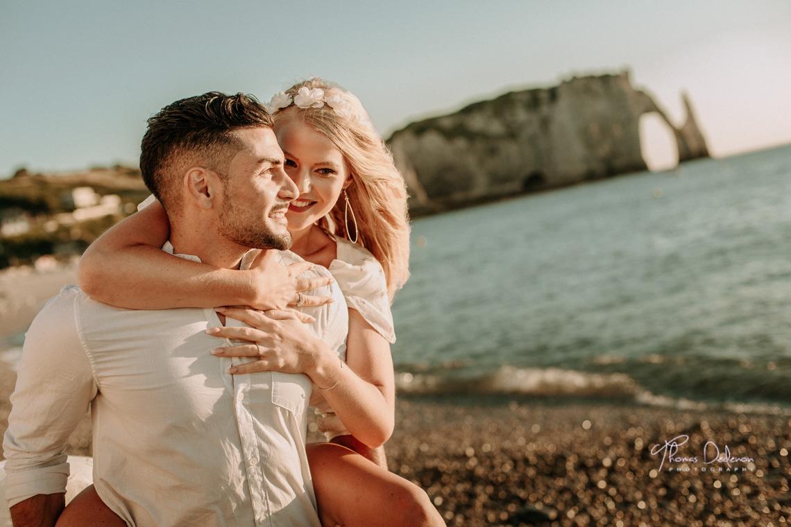 photo couple soleil couchant bord de mer