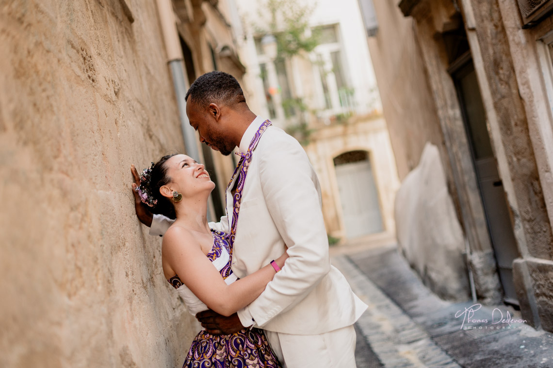 Séance photo de couple dans les ruelles de Montpellier