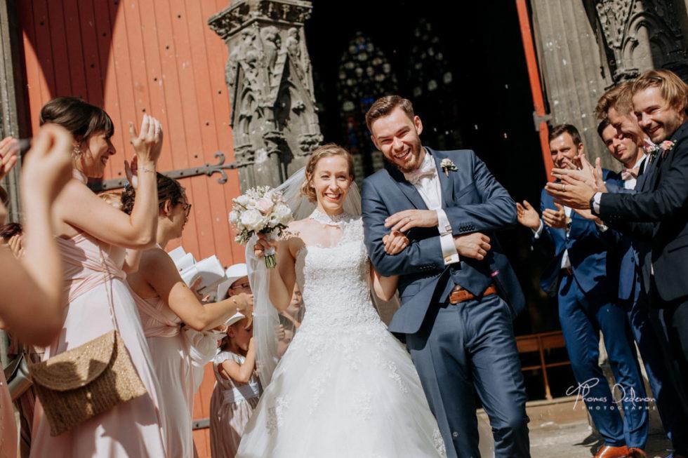 les mariés sortent de l'église st urbain