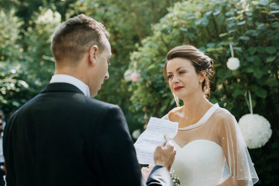 Les voeux du marié lors de la cérémonie laique
